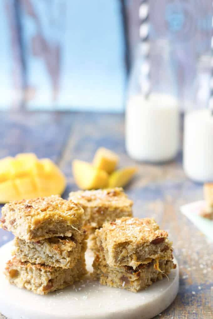 These coconut mango oat breakfast bites are a great start to the day. Sweetened only with fruit. Great for BLW (Baby led weaning) and lunch box friendly.