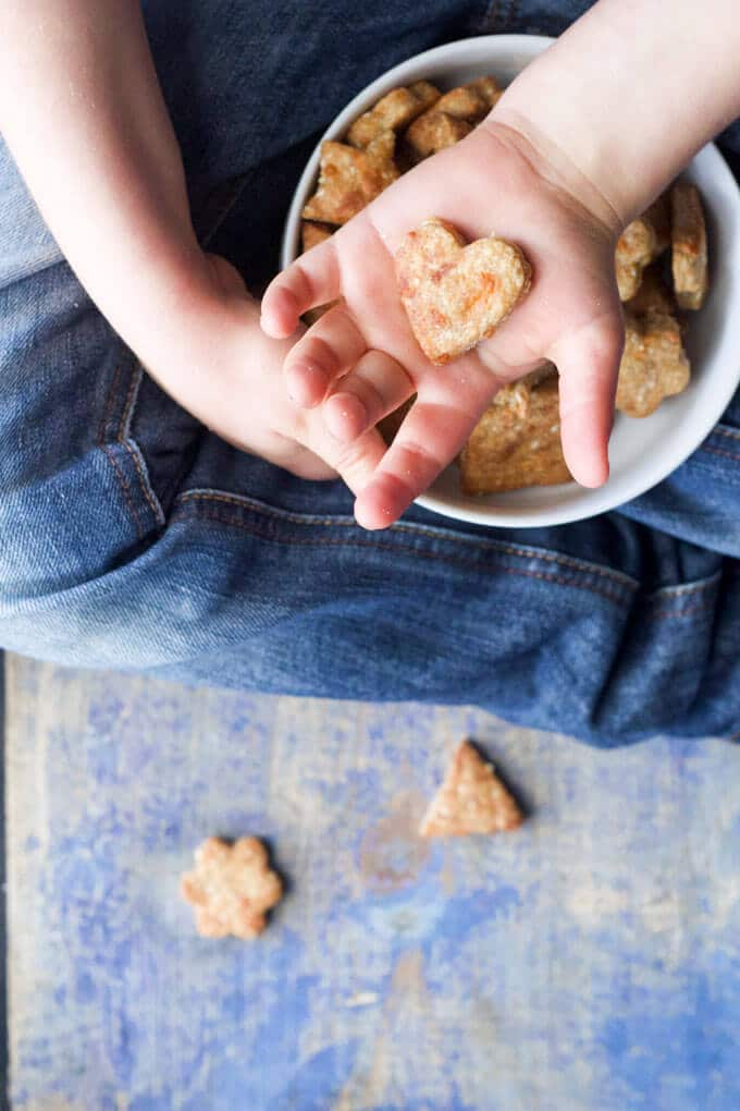 Cheesy Quinoa crackers. A great snack for kids, perfect for the lunch box.
