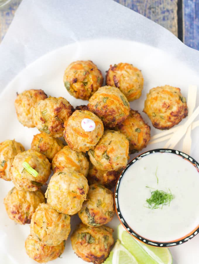 Chicken meatballs with a lemongrass and ginger dip are a great finger food for babies / kids. Enjoy as part of a meal or pack into the lunchbox.