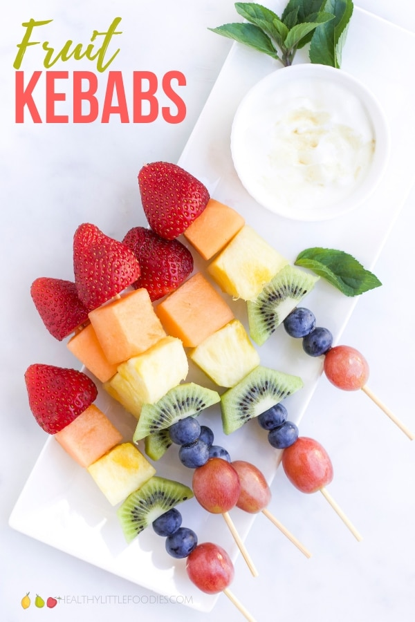 If you are looking to increase the variety of fruits your children consume then fruit kebabs are an easy and fun way to do this. Serve new fruits, alongside familiar fruits to introduce new flavours and textures in a comfortable way. #eatarainbow #fruitkebabs #snack #healthydessert #fruit